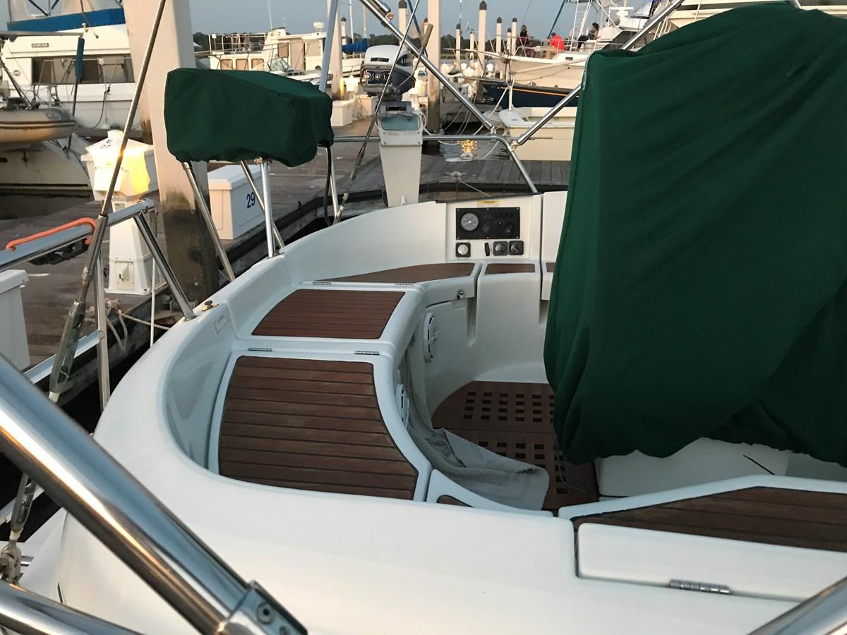 aft cockpit seating 1998 BENETEAU Oceanis 461 Aft Cockpit 2603379