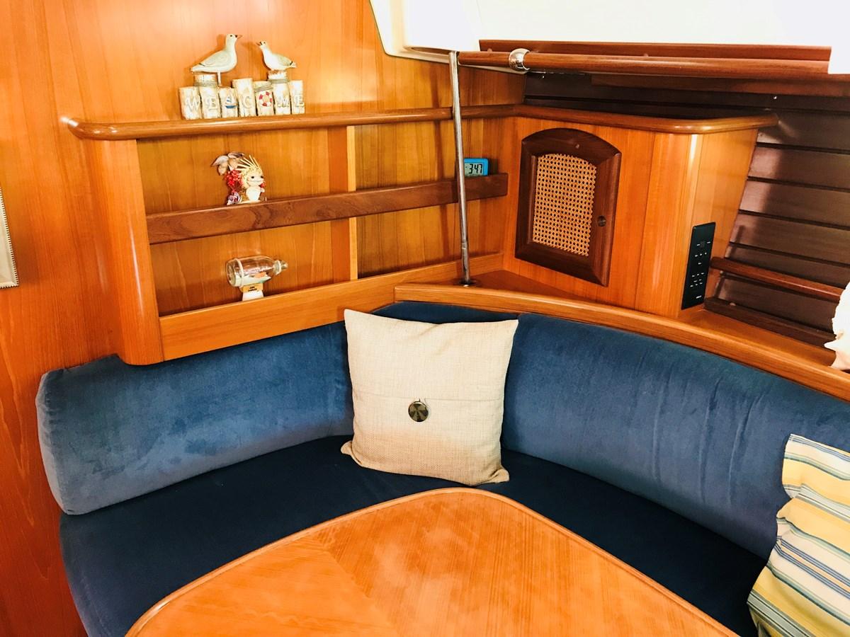 forward quarter dinette 1998 BENETEAU Oceanis 461 Aft Cockpit 2603482