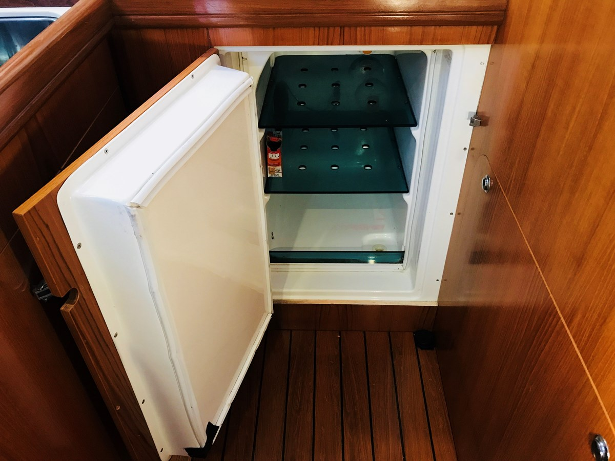 refrigerator 1998 BENETEAU Oceanis 461 Aft Cockpit 2603531