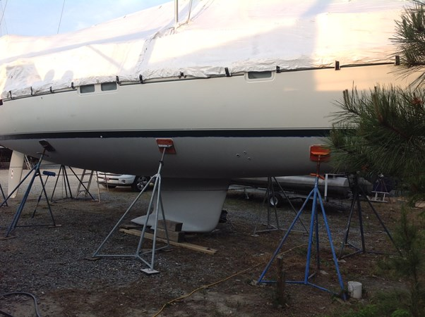 bottom paint and keel 1998 BENETEAU Oceanis 461 Aft Cockpit 2603384
