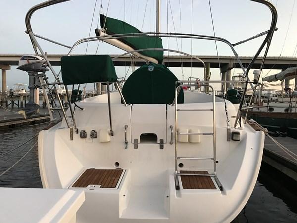 1998 Beneteau Oceanis 461 stern 1998 BENETEAU Oceanis 461 Aft Cockpit 2603398