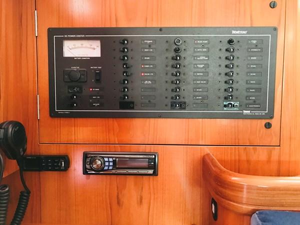 electric panel 1998 BENETEAU Oceanis 461 Aft Cockpit 2603470