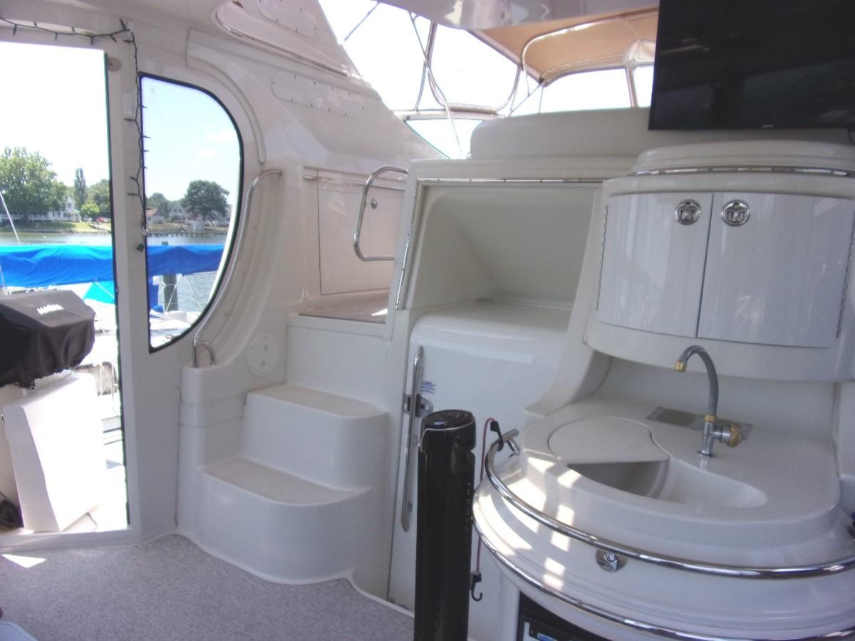 2004 CARVER 466 Carver Aft Cabin Motor Yacht 2604385