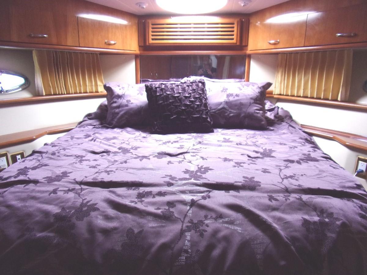 2004 CARVER 466 Carver Aft Cabin Motor Yacht 2604395