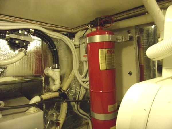 2004 CARVER 466 Carver Aft Cabin Motor Yacht 2604392