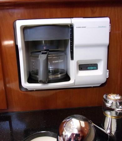 2004 CARVER 466 Carver Aft Cabin Motor Yacht 2604398