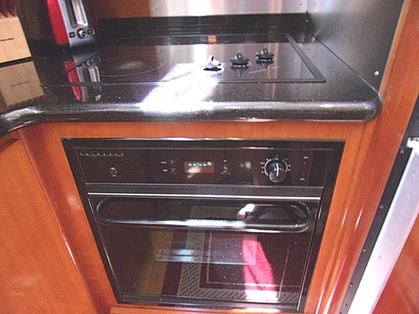 2004 CARVER 466 Carver Aft Cabin Motor Yacht 2604399
