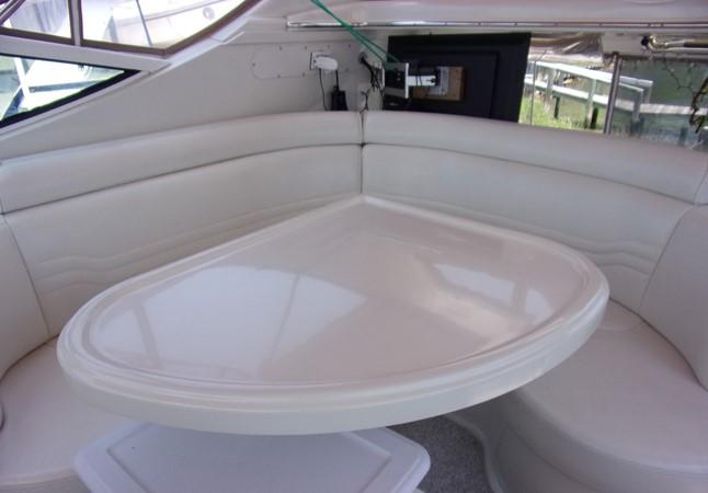 2004 CARVER 466 Carver Aft Cabin Motor Yacht 2604409