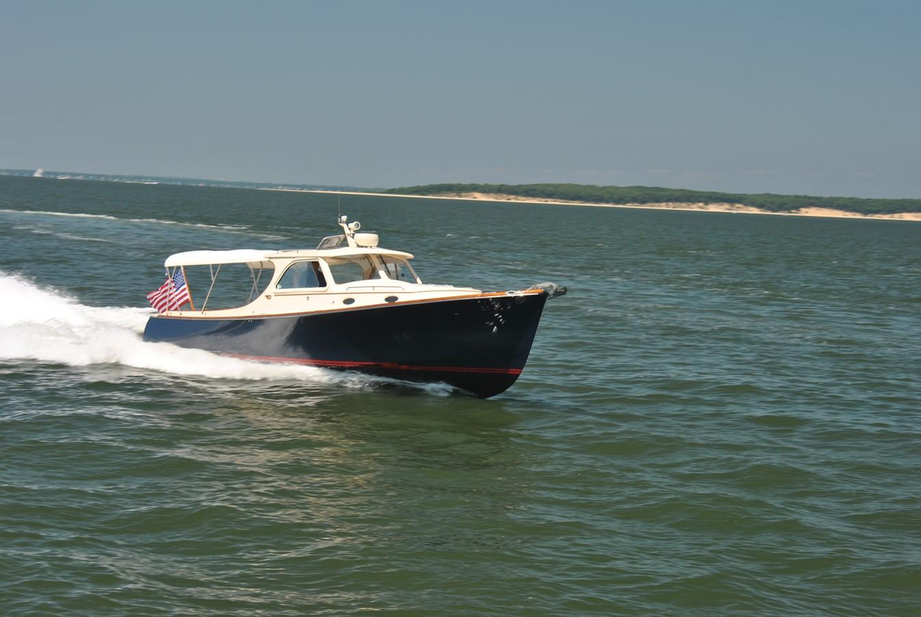 Cruising Speed 1 1996 HINCKLEY Picnic Boat Motor Yacht 2604790