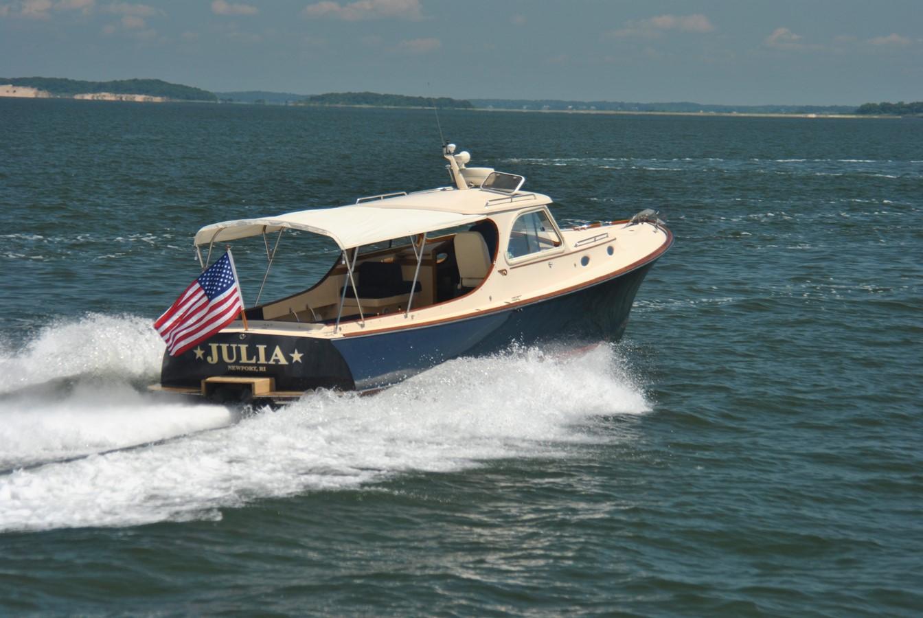 Cruising Speed 3 1996 HINCKLEY Picnic Boat Motor Yacht 2604791