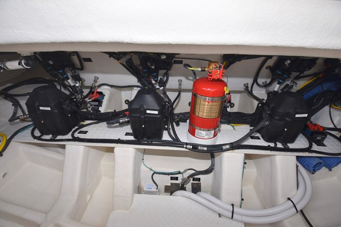 Engine Room 2020 Cruisers Yachts 38 GLS Runabout 2693143