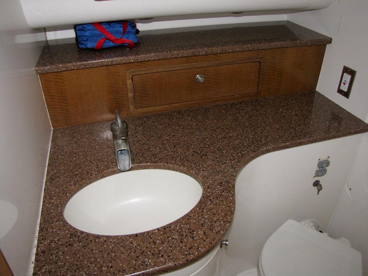 2008 MIDNIGHT EXPRESS 37 Cabin Center Console 2605296