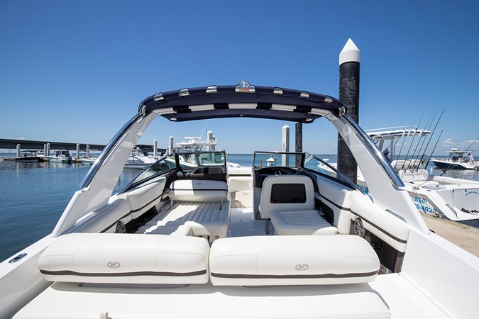 Cockpit looking forward 2016 COBALT R30 Deck Boat 2605403