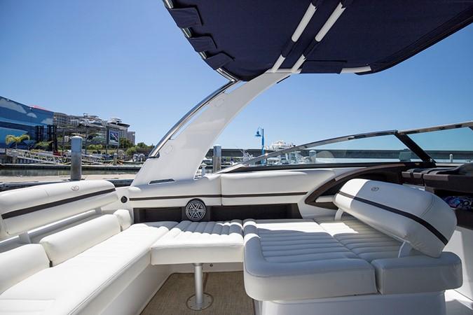 Port cockpit 2016 COBALT R30 Deck Boat 2605405