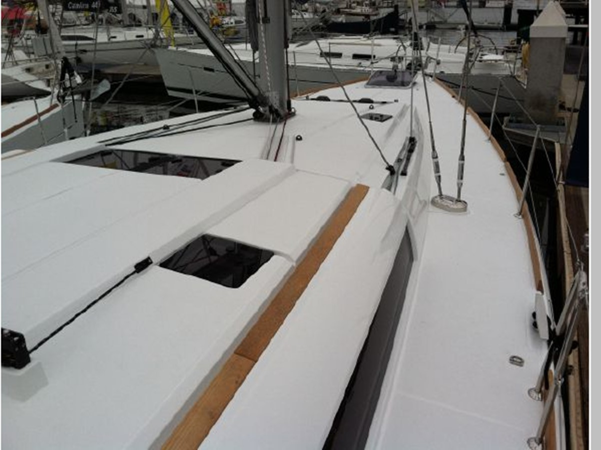 2019 JEANNEAU Sun Odyssey 519 Cruising Sailboat 2606920