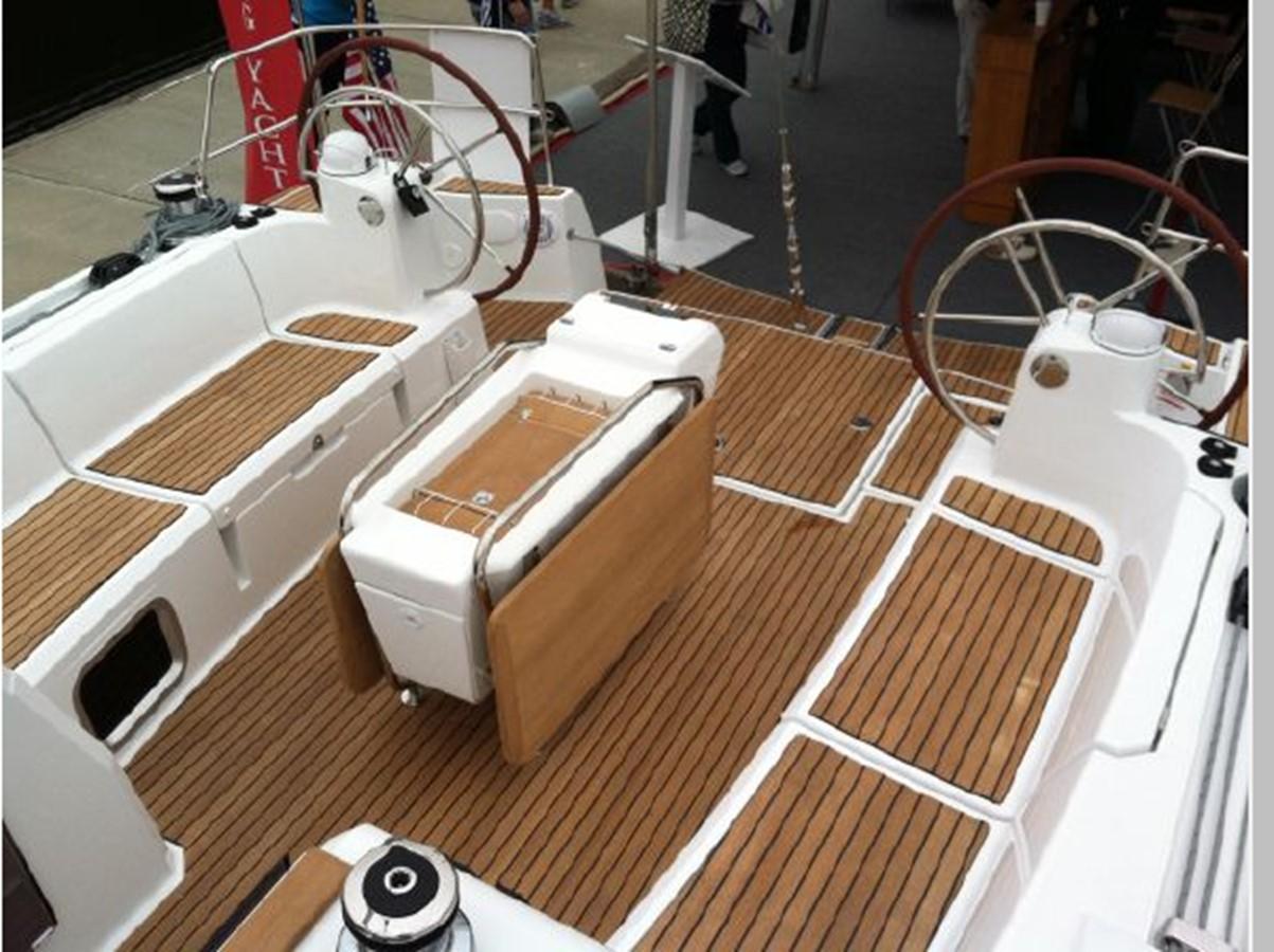 2019 JEANNEAU Sun Odyssey 519 Cruising Sailboat 2606936