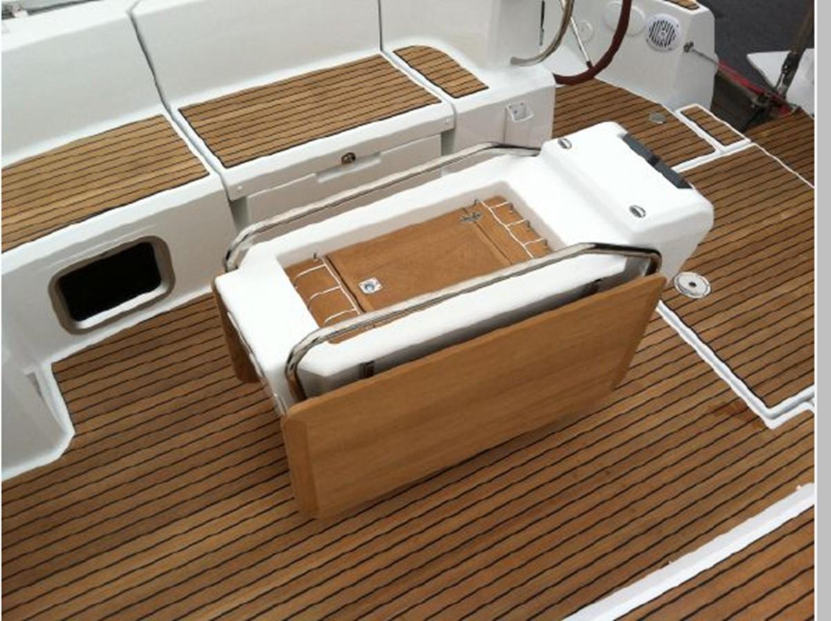 2019 JEANNEAU Sun Odyssey 519 Cruising Sailboat 2606937