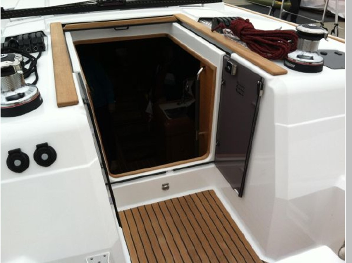 2019 JEANNEAU Sun Odyssey 519 Cruising Sailboat 2606944