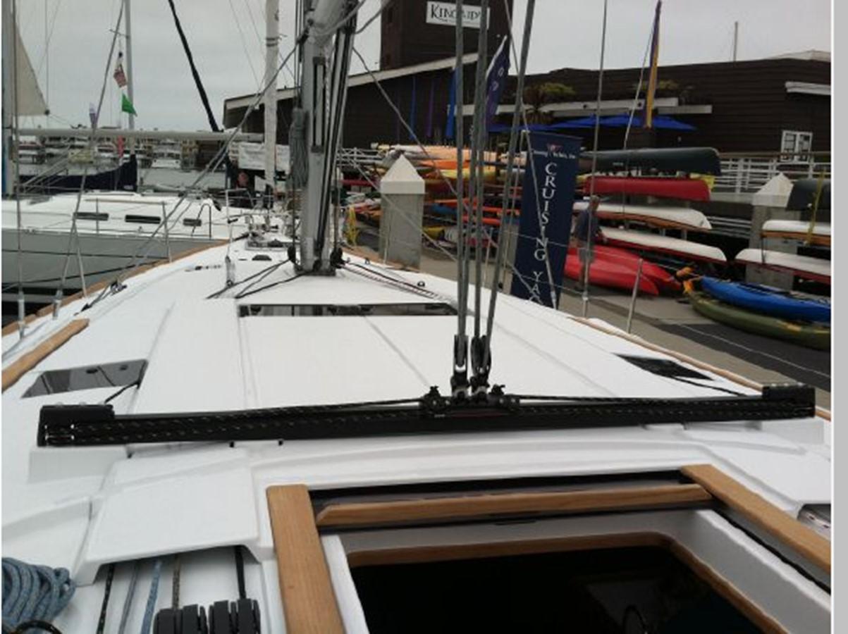 2019 JEANNEAU Sun Odyssey 519 Cruising Sailboat 2606947