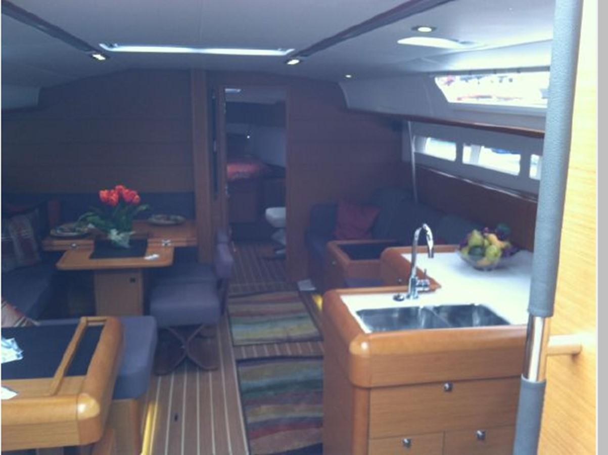 2019 JEANNEAU Sun Odyssey 519 Cruising Sailboat 2606950