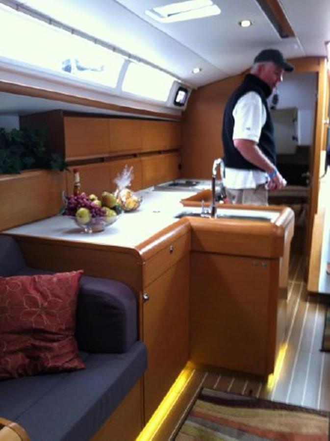 2019 JEANNEAU Sun Odyssey 519 Cruising Sailboat 2606959