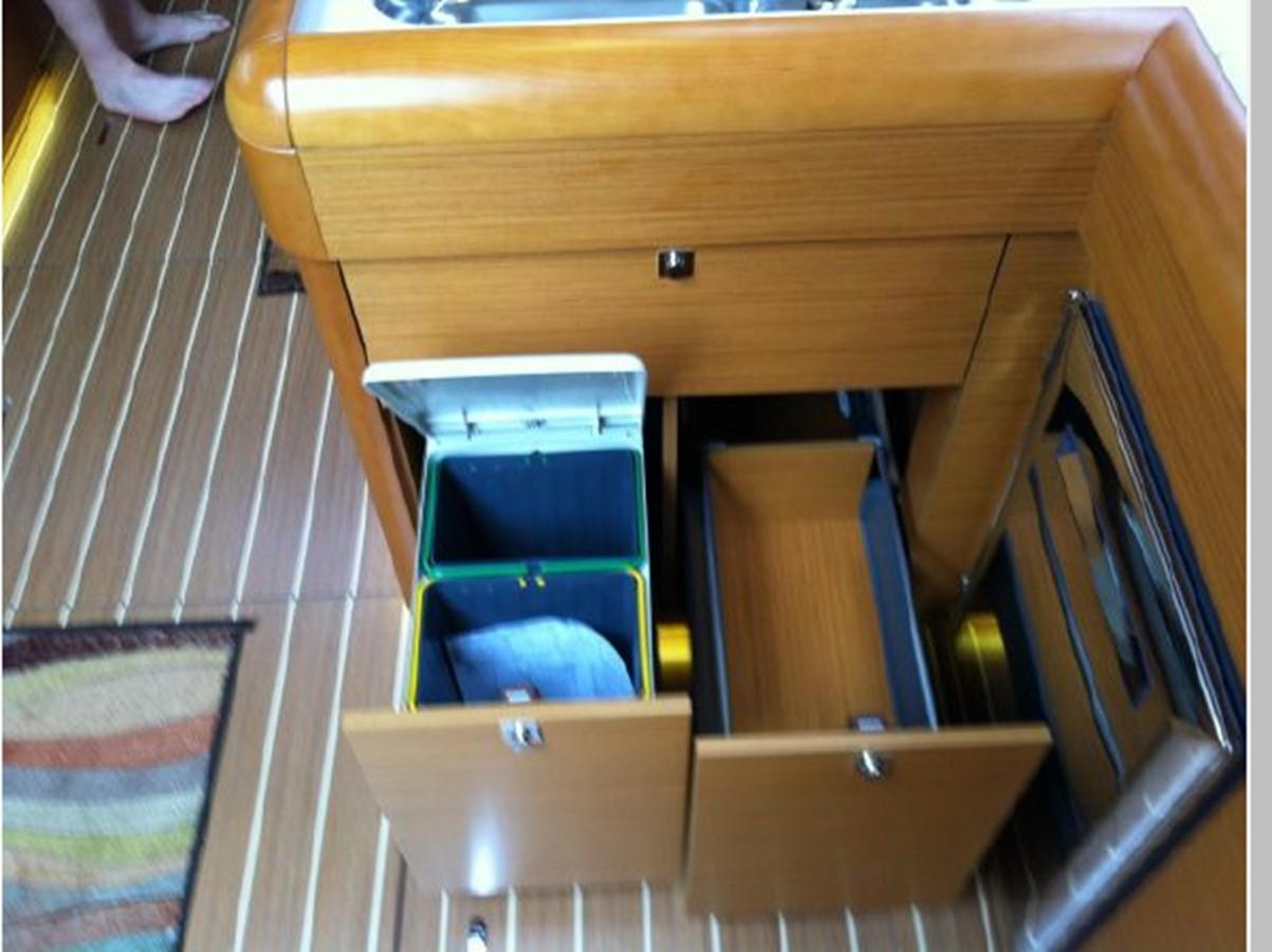 2019 JEANNEAU Sun Odyssey 519 Cruising Sailboat 2606963