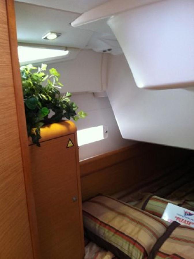 2019 JEANNEAU Sun Odyssey 519 Cruising Sailboat 2606968