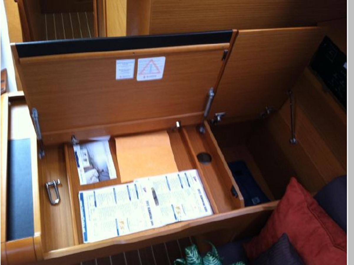 2019 JEANNEAU Sun Odyssey 519 Cruising Sailboat 2606974