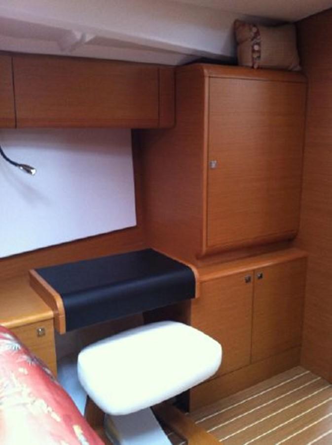 2019 JEANNEAU Sun Odyssey 519 Cruising Sailboat 2606989
