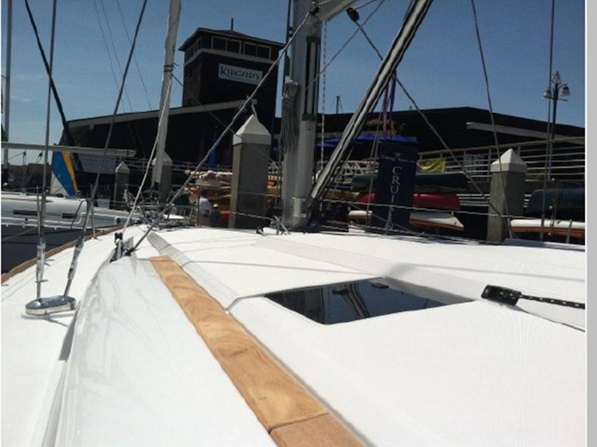 2019 JEANNEAU Sun Odyssey 519 Cruising Sailboat 2606996