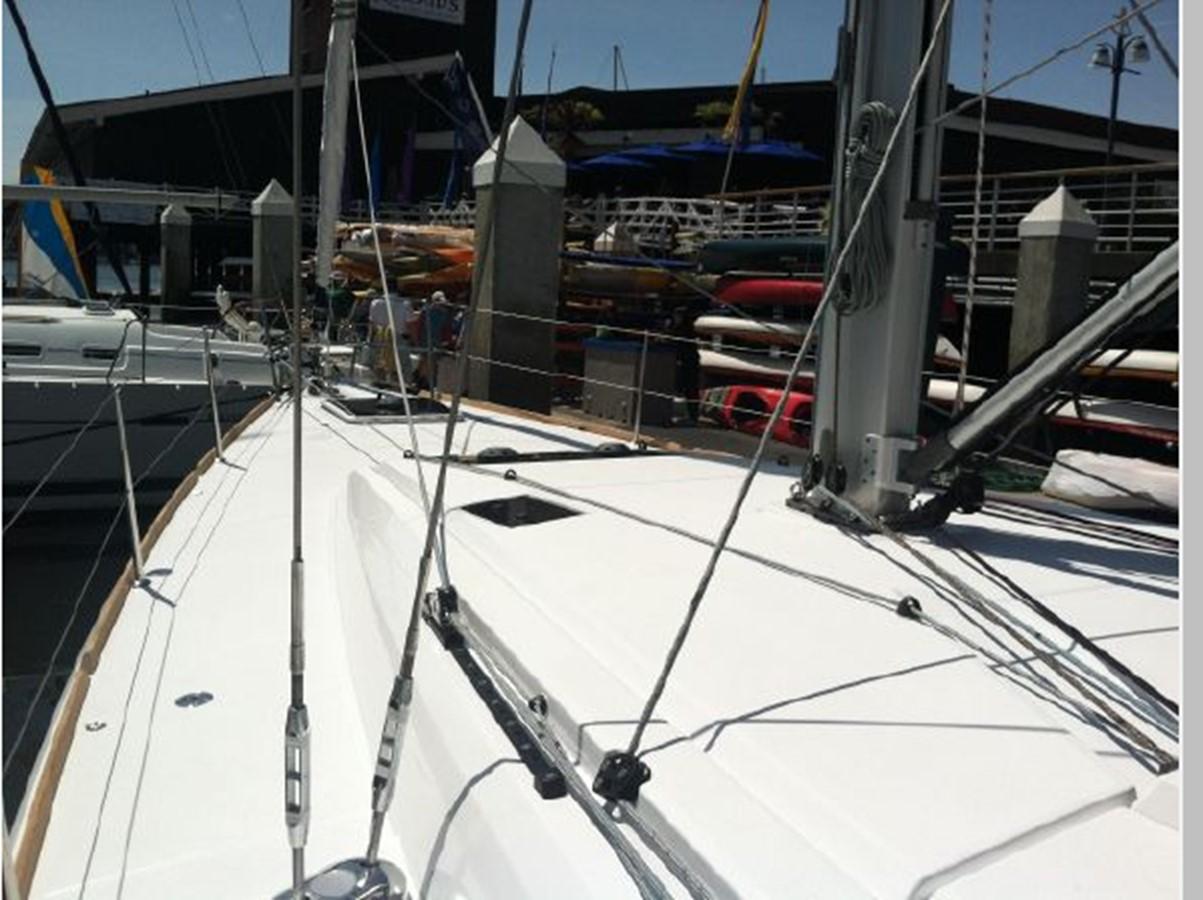 2019 JEANNEAU Sun Odyssey 519 Cruising Sailboat 2606997