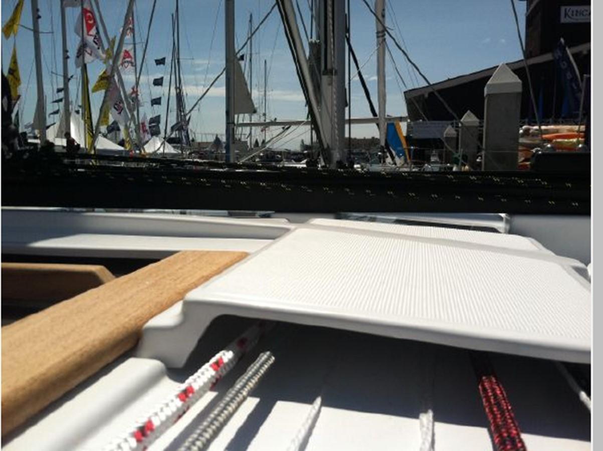 2019 JEANNEAU Sun Odyssey 519 Cruising Sailboat 2607007