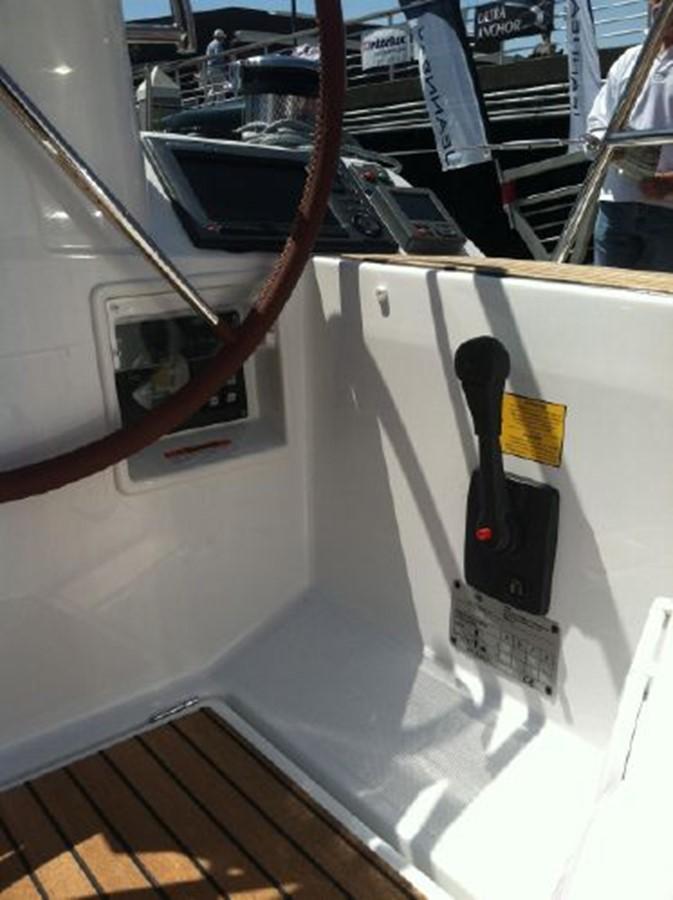 2019 JEANNEAU Sun Odyssey 519 Cruising Sailboat 2607026