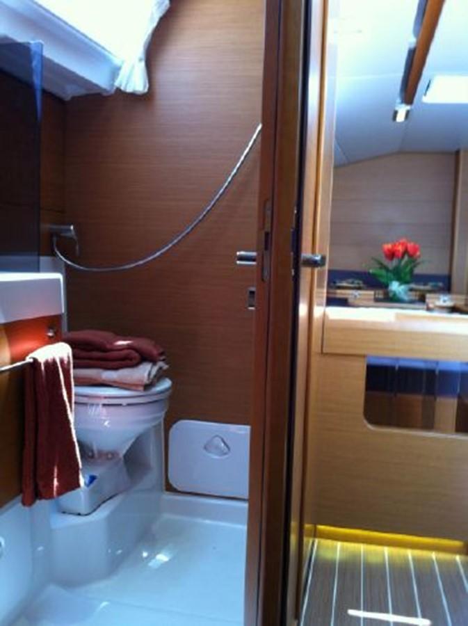 2019 JEANNEAU Sun Odyssey 519 Cruising Sailboat 2607038