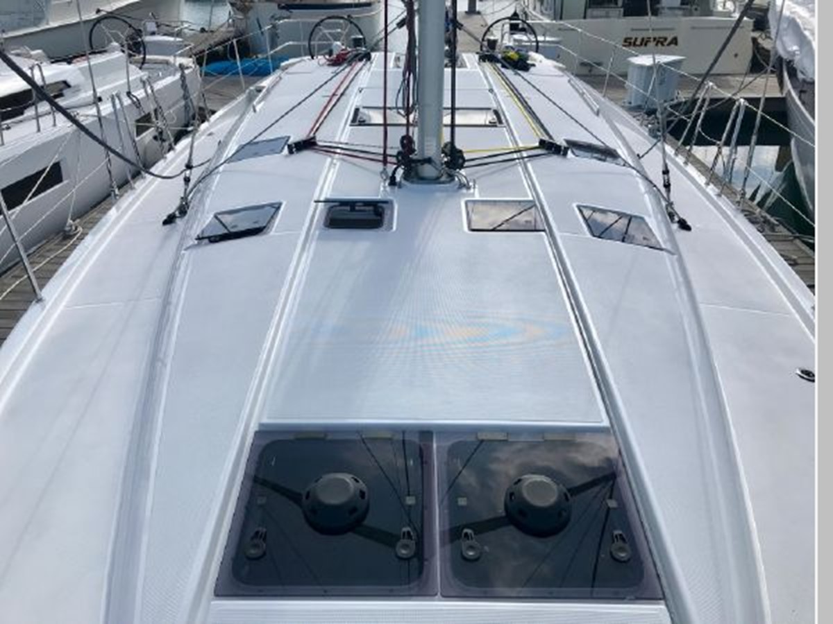 2019 JEANNEAU Sun Odyssey 490 Cruising Sailboat 2607074