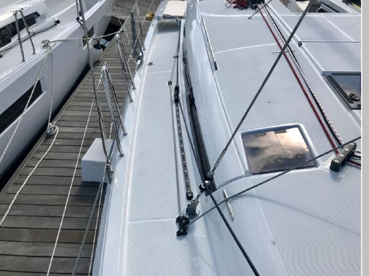 2019 JEANNEAU Sun Odyssey 490 Cruising Sailboat 2607076