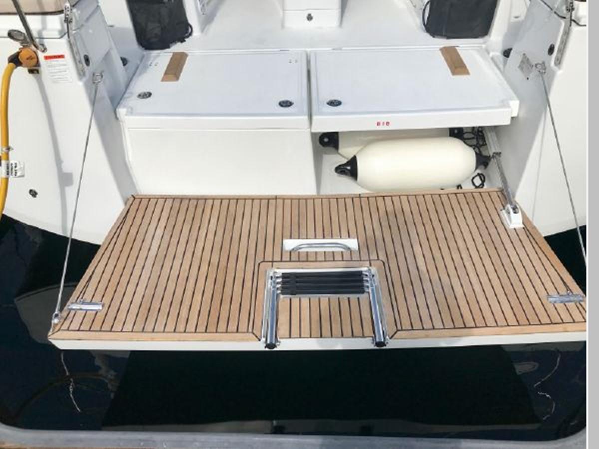 2019 JEANNEAU Sun Odyssey 490 Cruising Sailboat 2607079