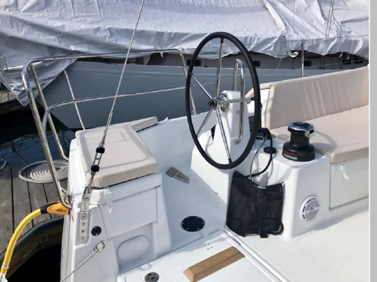 2019 JEANNEAU Sun Odyssey 490 Cruising Sailboat 2607080
