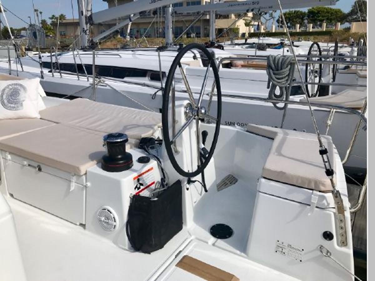 2019 JEANNEAU Sun Odyssey 490 Cruising Sailboat 2607081