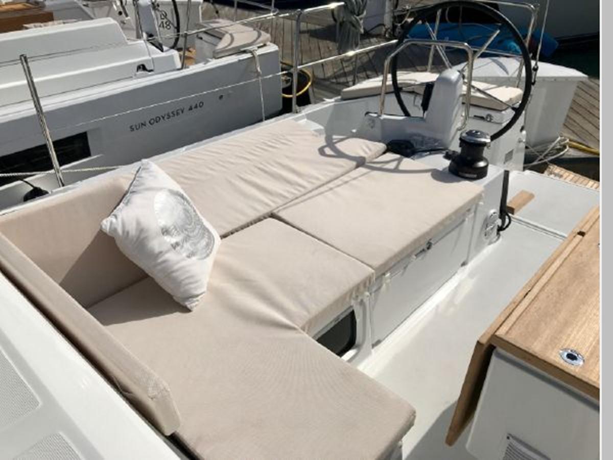 2019 JEANNEAU Sun Odyssey 490 Cruising Sailboat 2607085