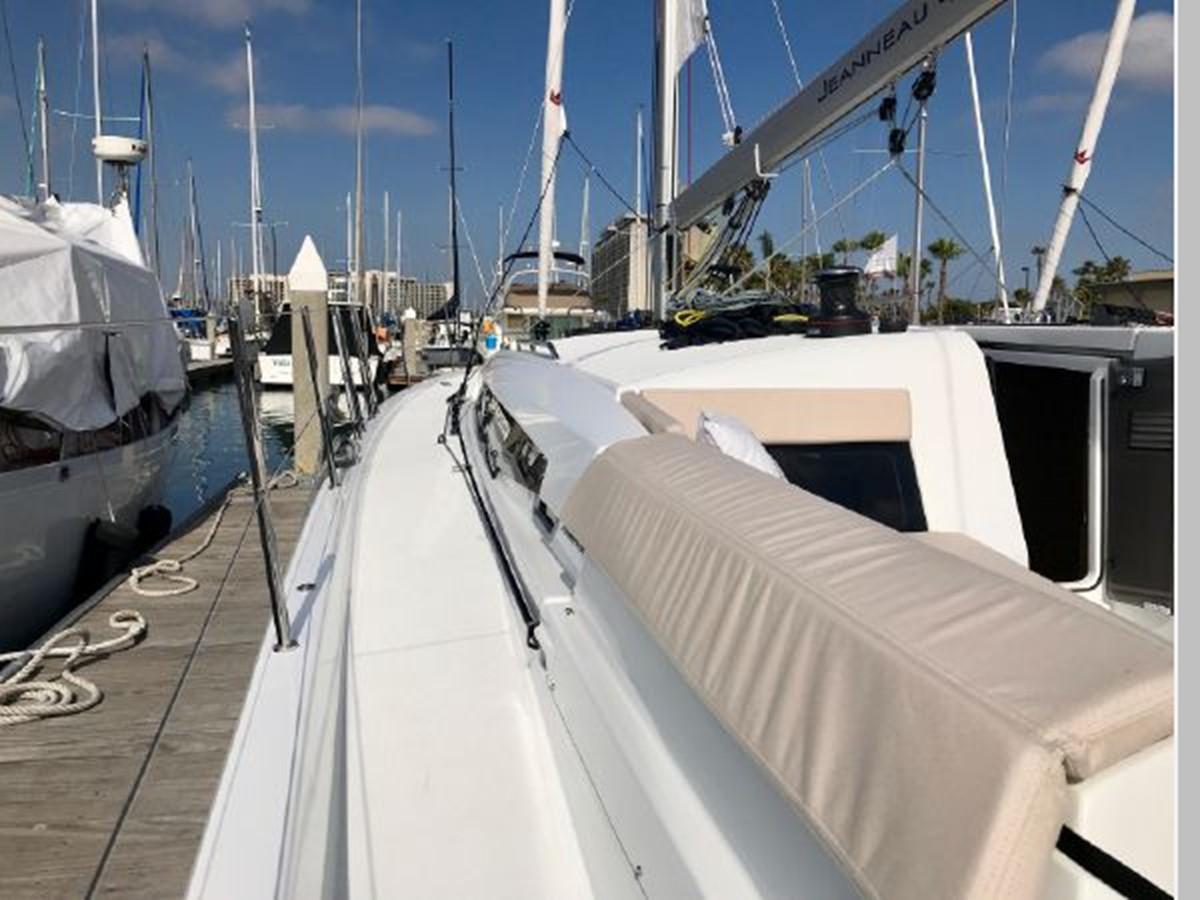 2019 JEANNEAU Sun Odyssey 490 Cruising Sailboat 2607094