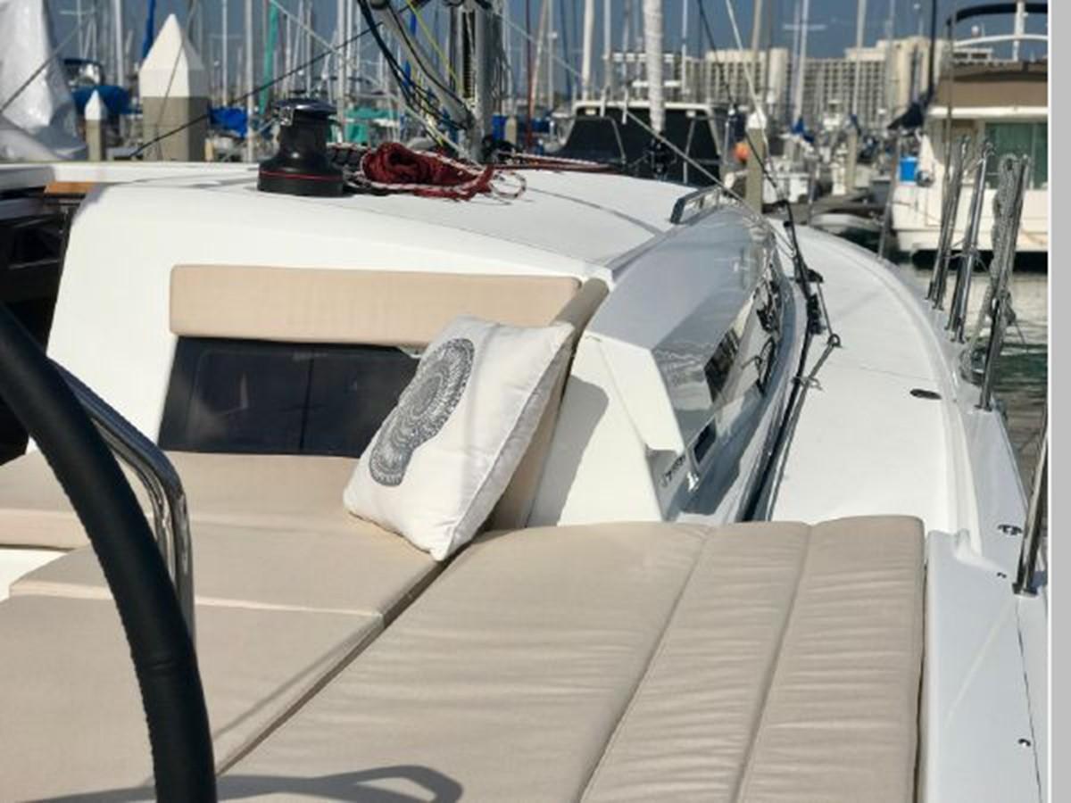 2019 JEANNEAU Sun Odyssey 490 Cruising Sailboat 2607109