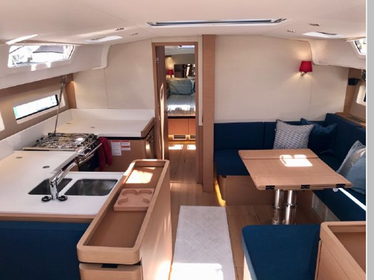 2019 JEANNEAU Sun Odyssey 490 Cruising Sailboat 2607110