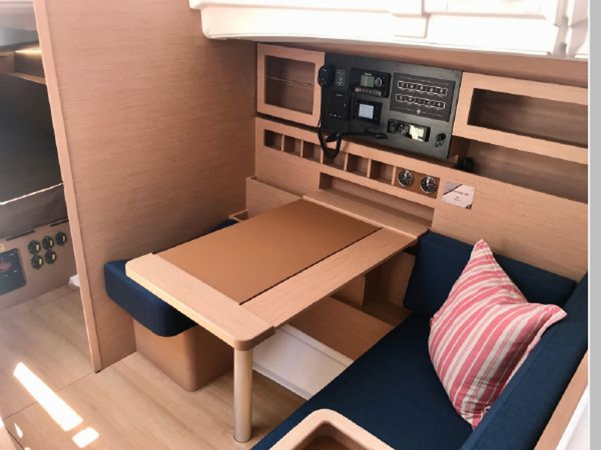 2019 JEANNEAU Sun Odyssey 490 Cruising Sailboat 2607111