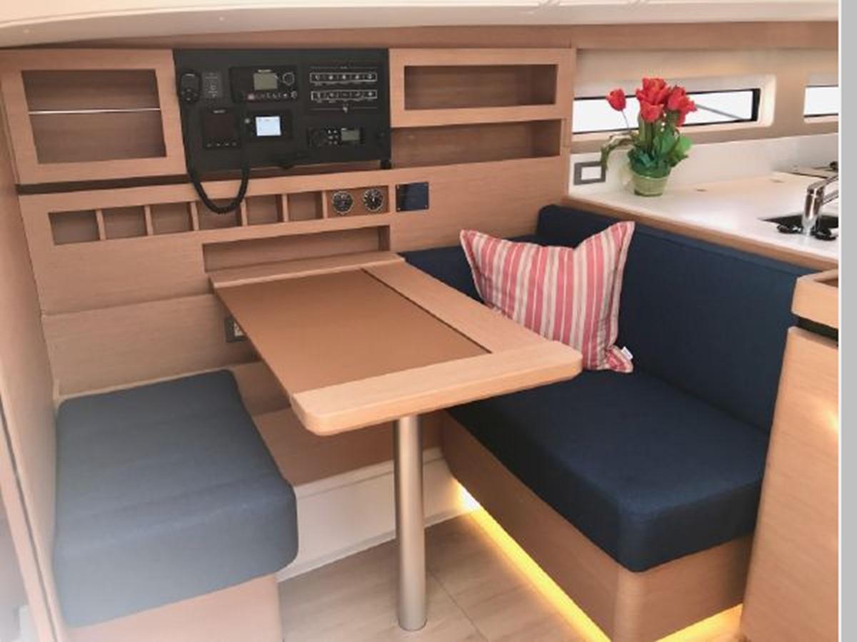 2019 JEANNEAU Sun Odyssey 490 Cruising Sailboat 2607112