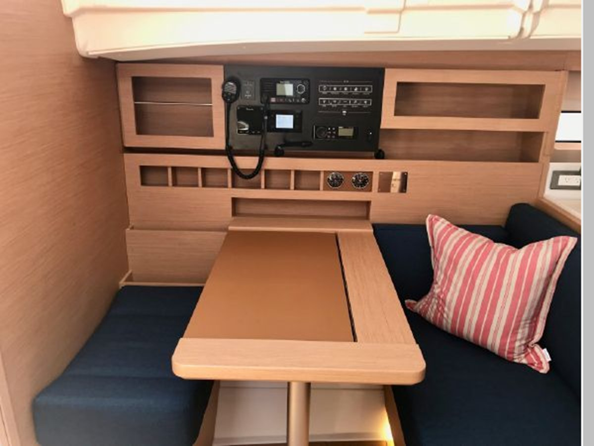 2019 JEANNEAU Sun Odyssey 490 Cruising Sailboat 2607113