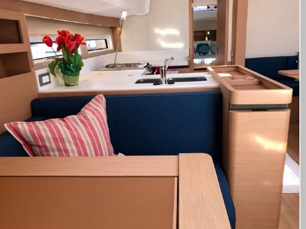 2019 JEANNEAU Sun Odyssey 490 Cruising Sailboat 2607115