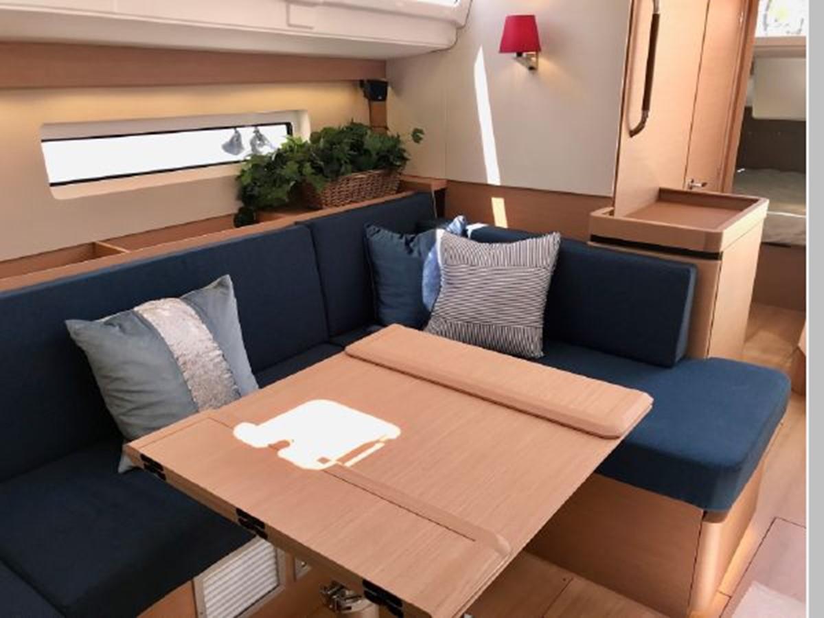 2019 JEANNEAU Sun Odyssey 490 Cruising Sailboat 2607126