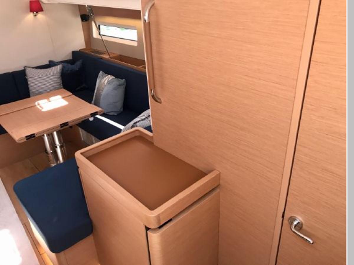 2019 JEANNEAU Sun Odyssey 490 Cruising Sailboat 2607128