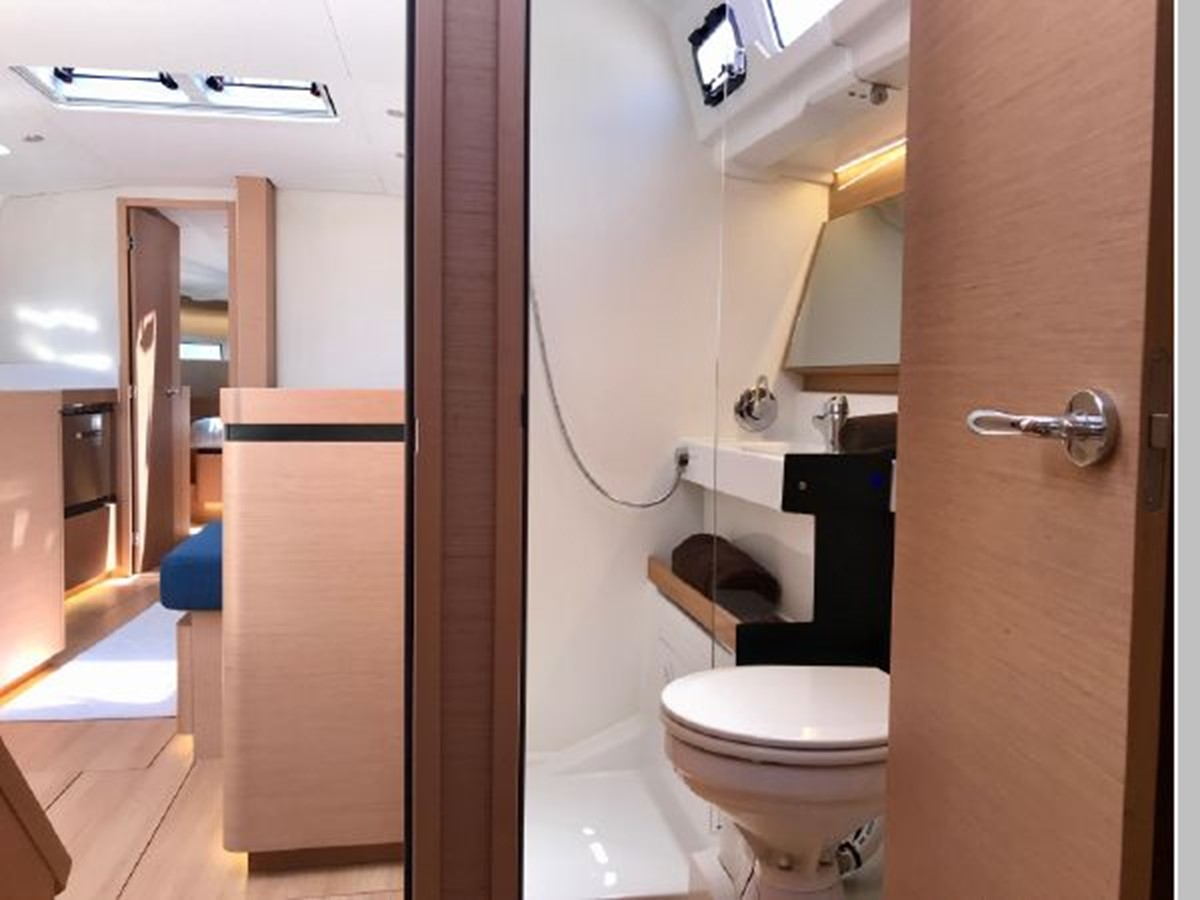 2019 JEANNEAU Sun Odyssey 490 Cruising Sailboat 2607131